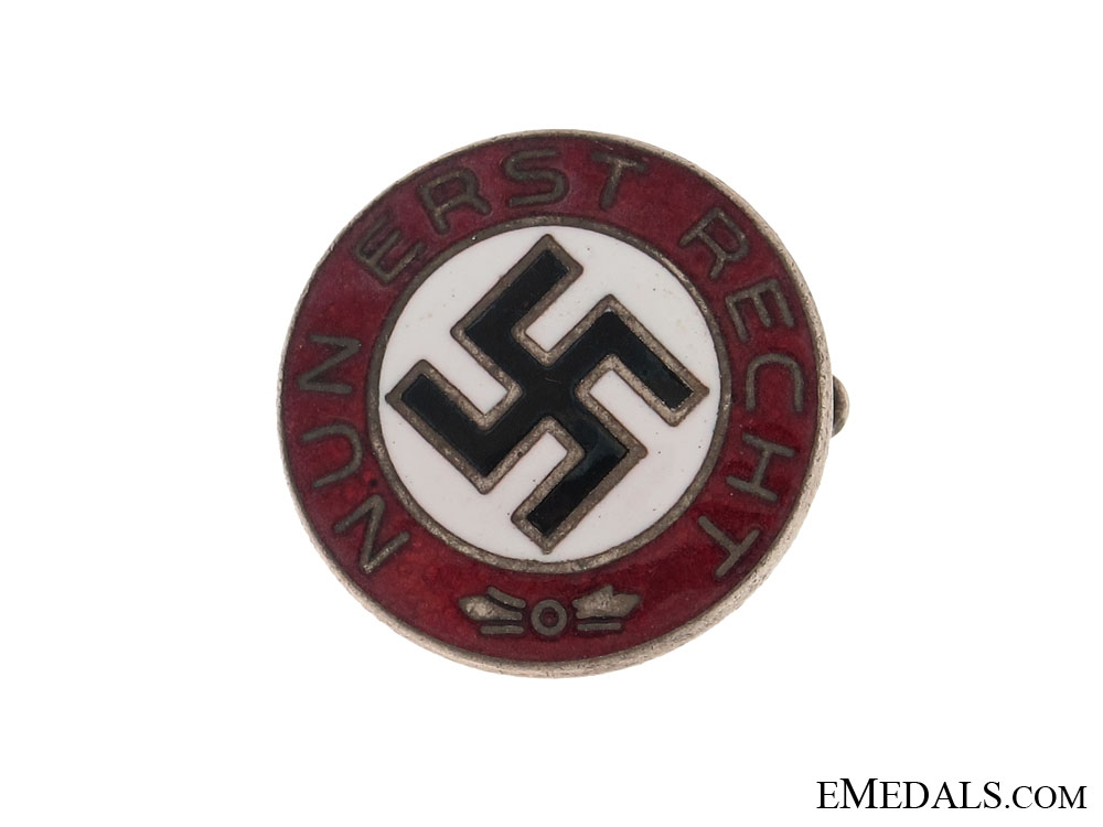 Early Propaganda Badge