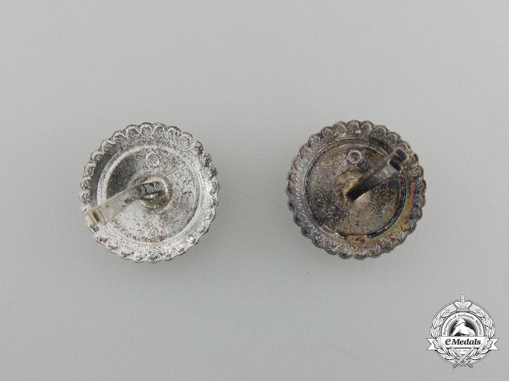 Two Second War Finnish Enlisted Man's Cap Badges