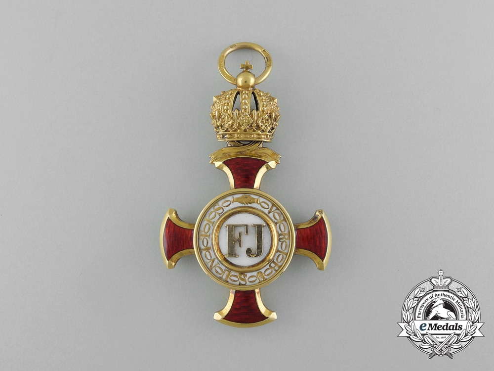An Austrian Golden Cross of Merit with Crown in Gold by V. Mayer & Sohn