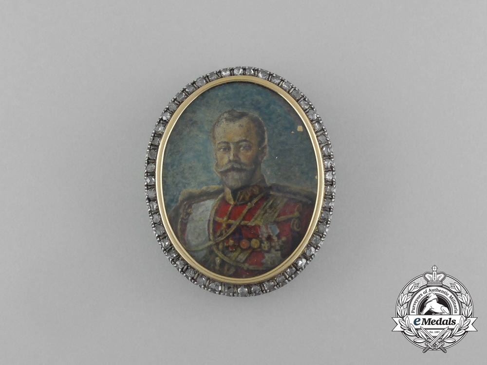 An Exquisite Russian Imperial Tsar Nicholas II Brooch in Gold & Diamonds