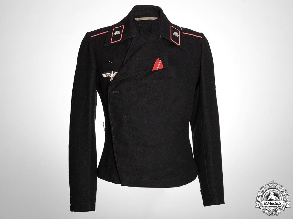 A Heer Obergefreiter Panzer Uniform