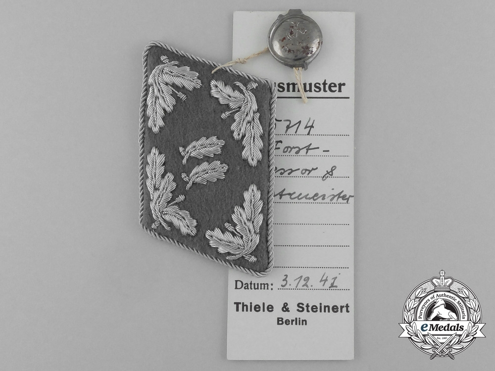 A Mint & Unissued Forstassesssor and Forstmeister Collar Tab by Thile & Steinert; Dated 1938