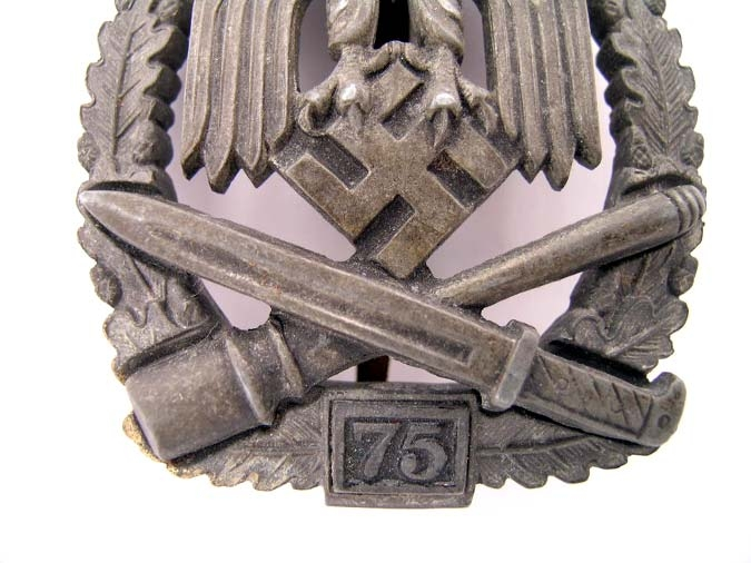 "General Assault Badge ""75"""