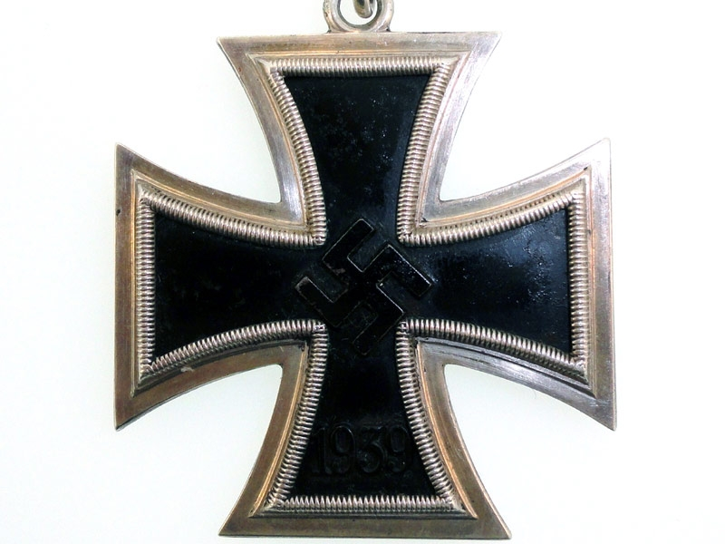 Cased Knight's Cross – Juncker