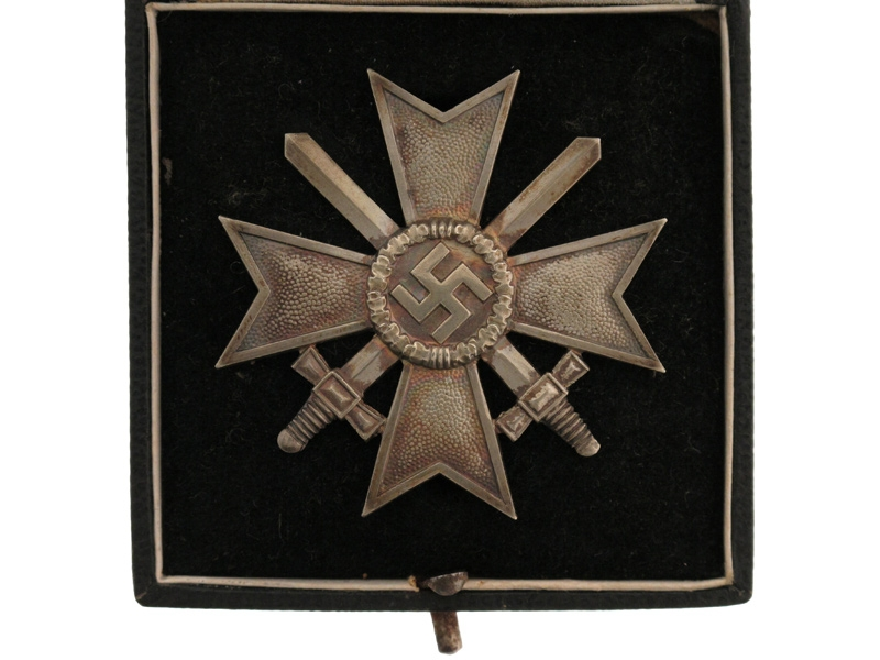 War Merit Cross, First Class, w/Swords