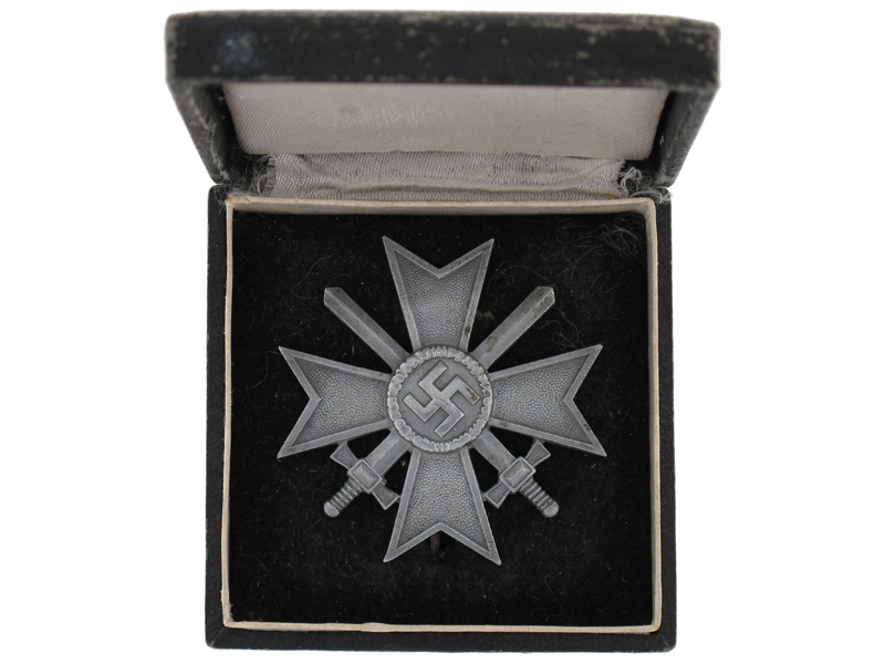War Merit Cross 1Cl. w/Swords