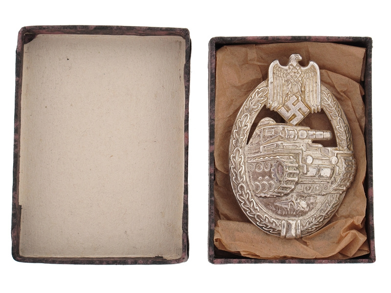 Cased Tank Badge-Silver Grade