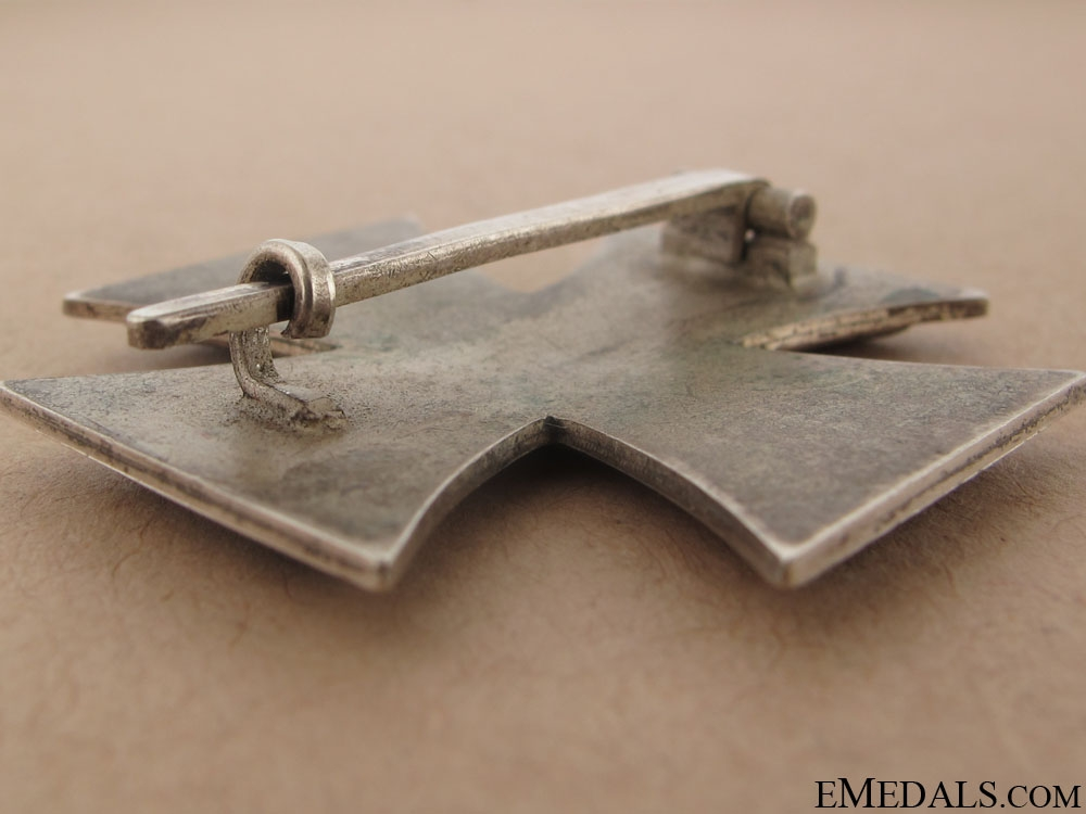 Iron Cross First Class 1939 - Maker 20
