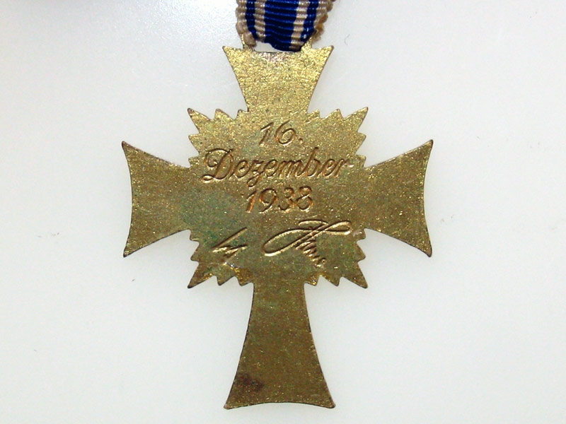 Mother's Cross Gold Grade