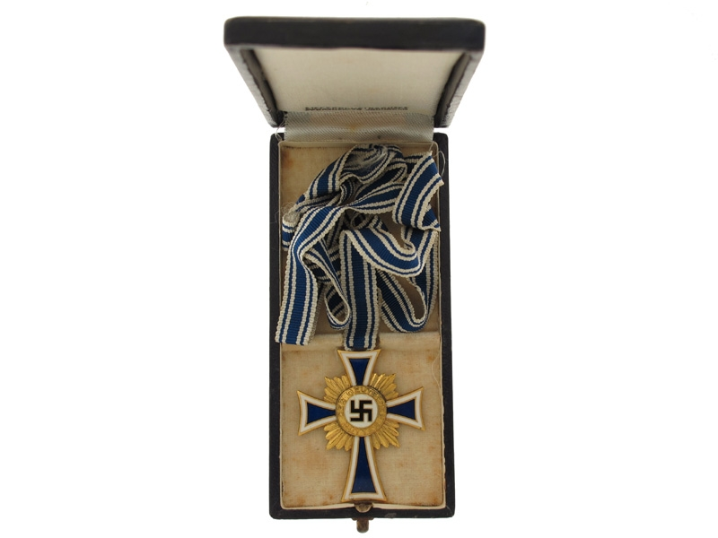 Mother's Cross Gold Grade, Cased
