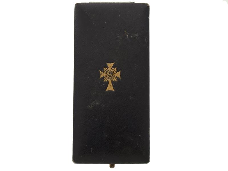 Mother's Cross Gold Grade, Cased