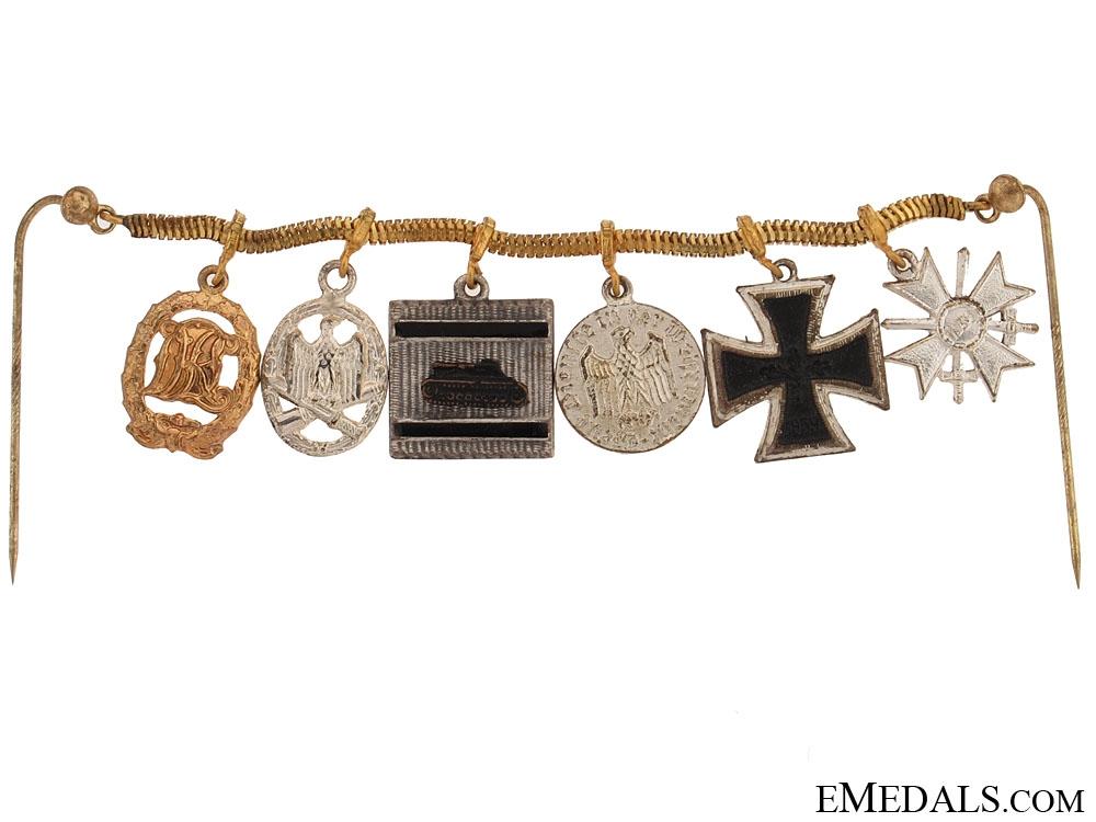Miniature Awards Chain