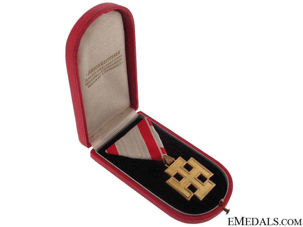 Honour Medal for Merit of the Republic