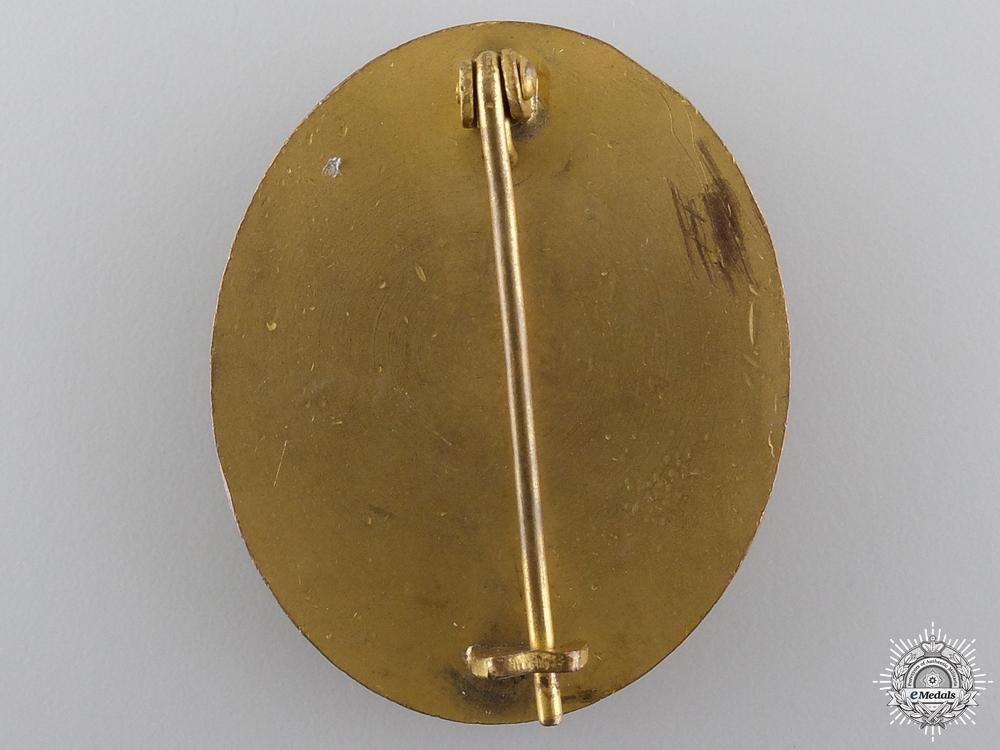 An Early War Wound Badge; Gold Grade