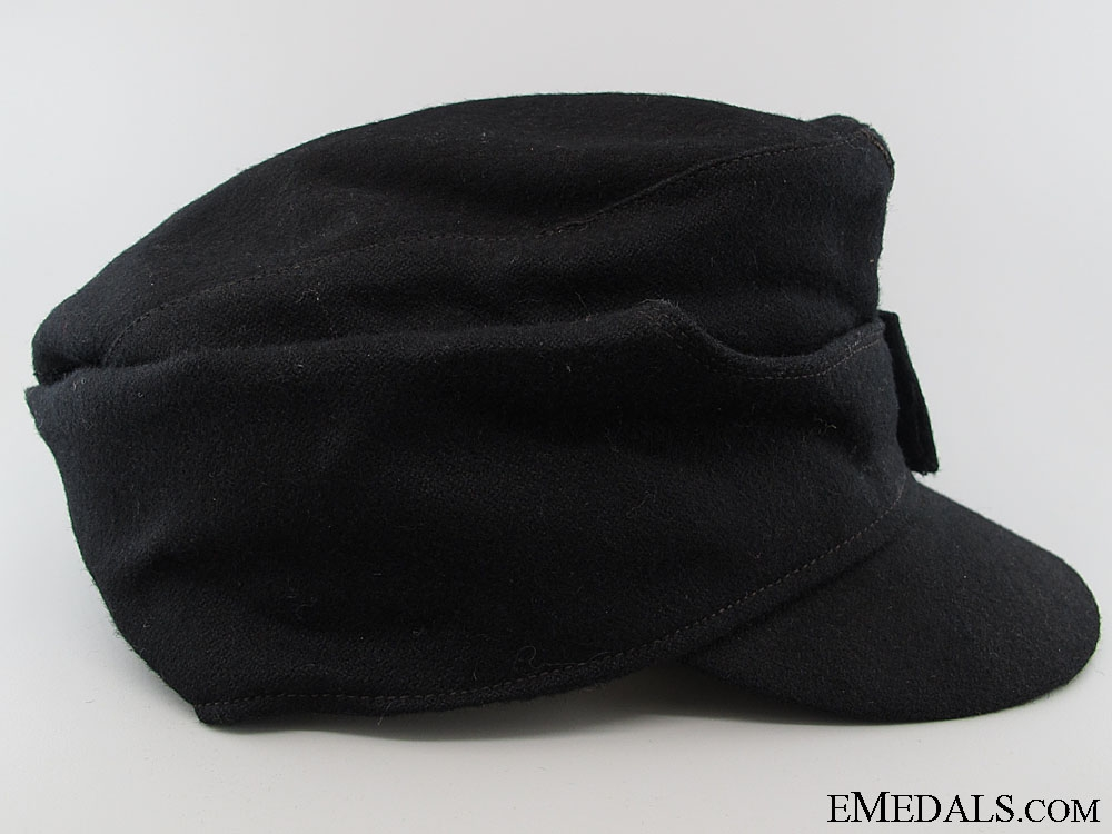 A Late War M43 SS Panzer Field Cap