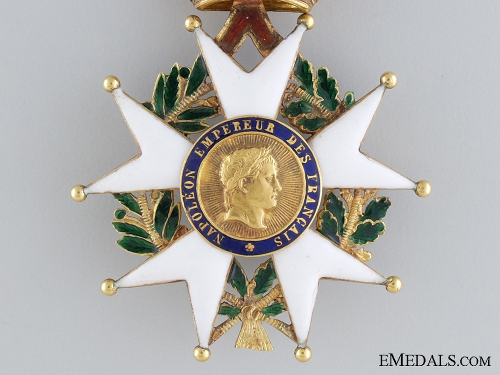 A French Legion D'Honneur; Officers Badge in Gold