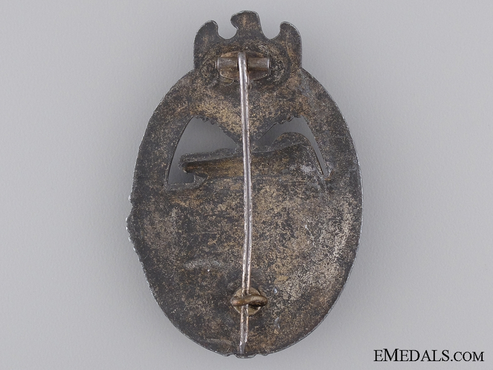 A Silver Grade Tank Badge; Unmarked
