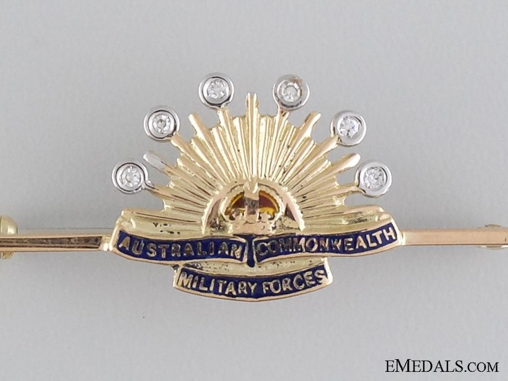 An Exquisite Australian Pin in Gold & Diamonds