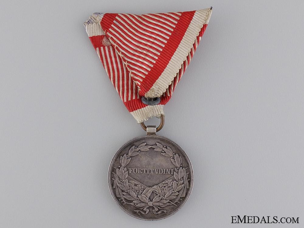 A 1917-1918 Austrian Bravery Medal; 2nd Class Silver Medal