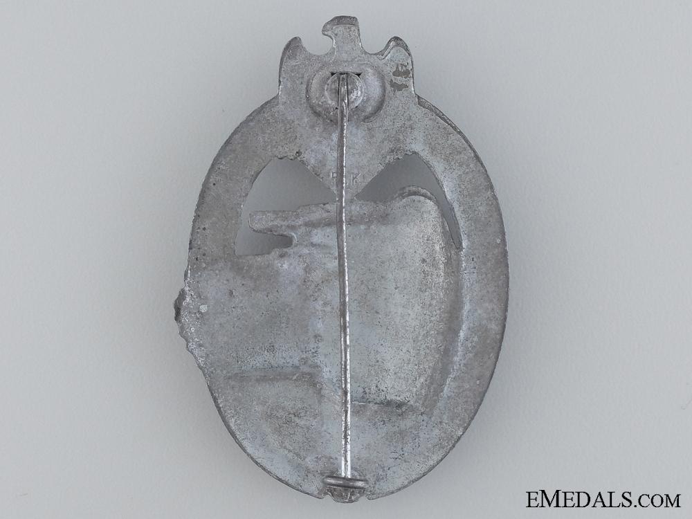 A Second War Tank Assault Badge by Maker R.K.