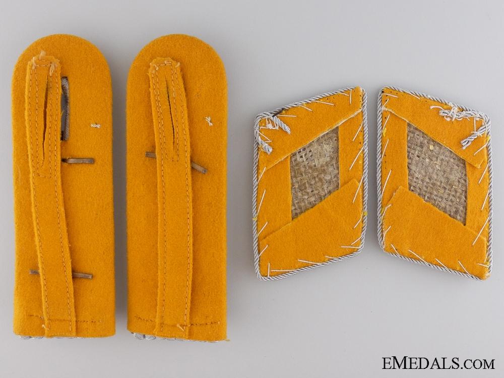 Luftwaffe Pilot Captain Shoulder Board and Collar Tab Set