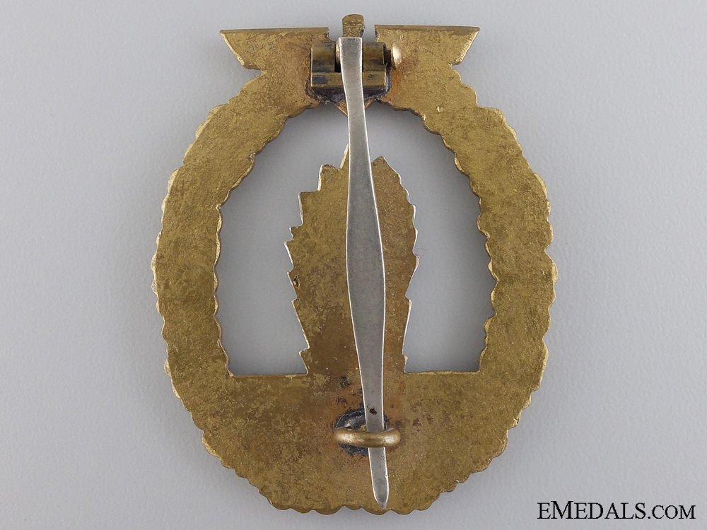 An Early Minesweeper War Badge