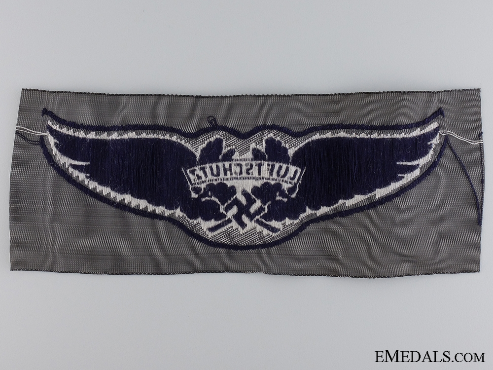 A Luftschutz Cloth Insignia
