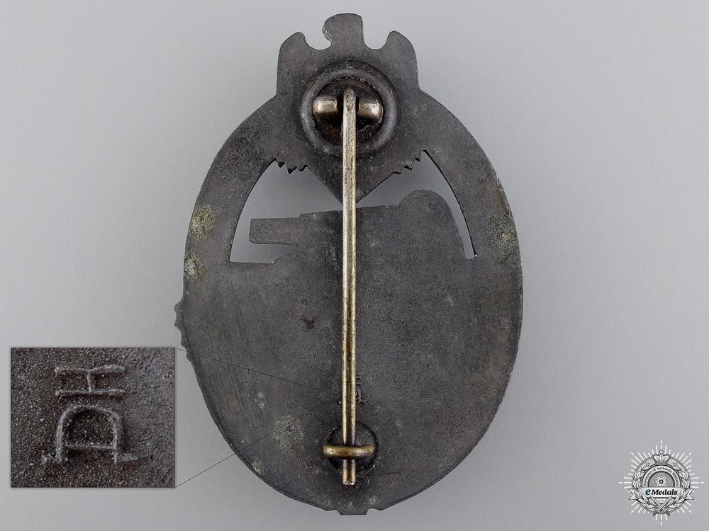 A Bronze Grade Tank Badge by Aurich