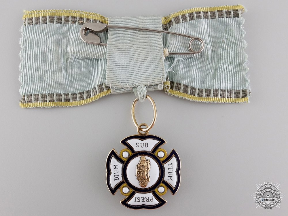 A Bavarian Order of St. Anna 1783-1918 in Gold