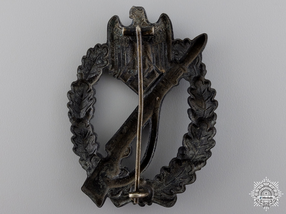 An Early Army Infantry Badge; Silver Grade