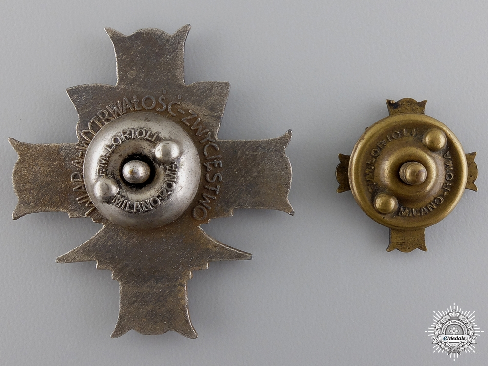 A Second War Polish 3rd Carpathian Rifle Division Badge by Lorioli