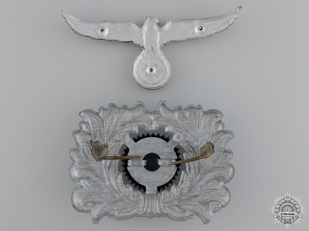 A Customs Official Visor Wreath and Cockade with Eagle