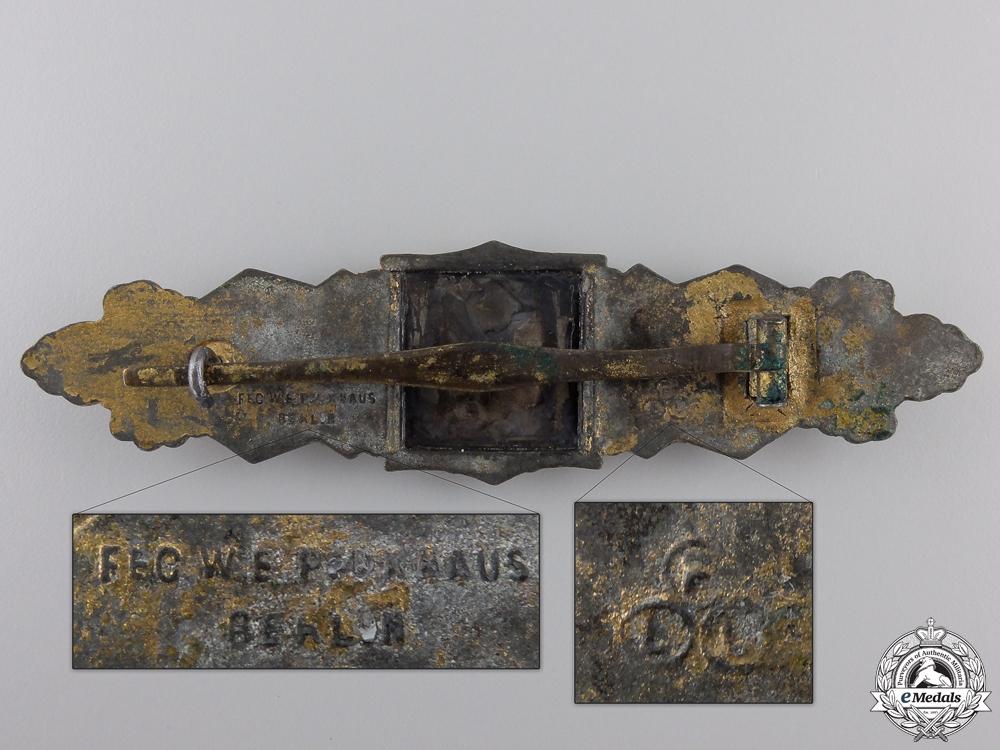 A Gold Grade Close Combat Clasp by Friedrich Linden, Lüdenscheid