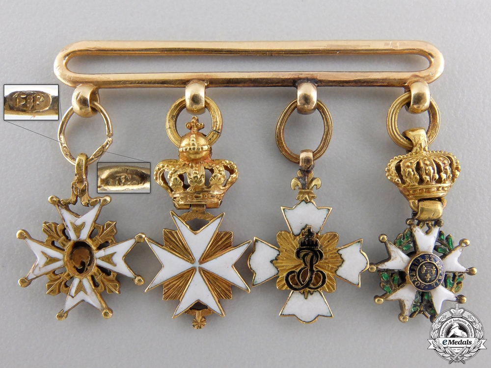An Early & Outstanding Napoleonic Miniature Group in Gold