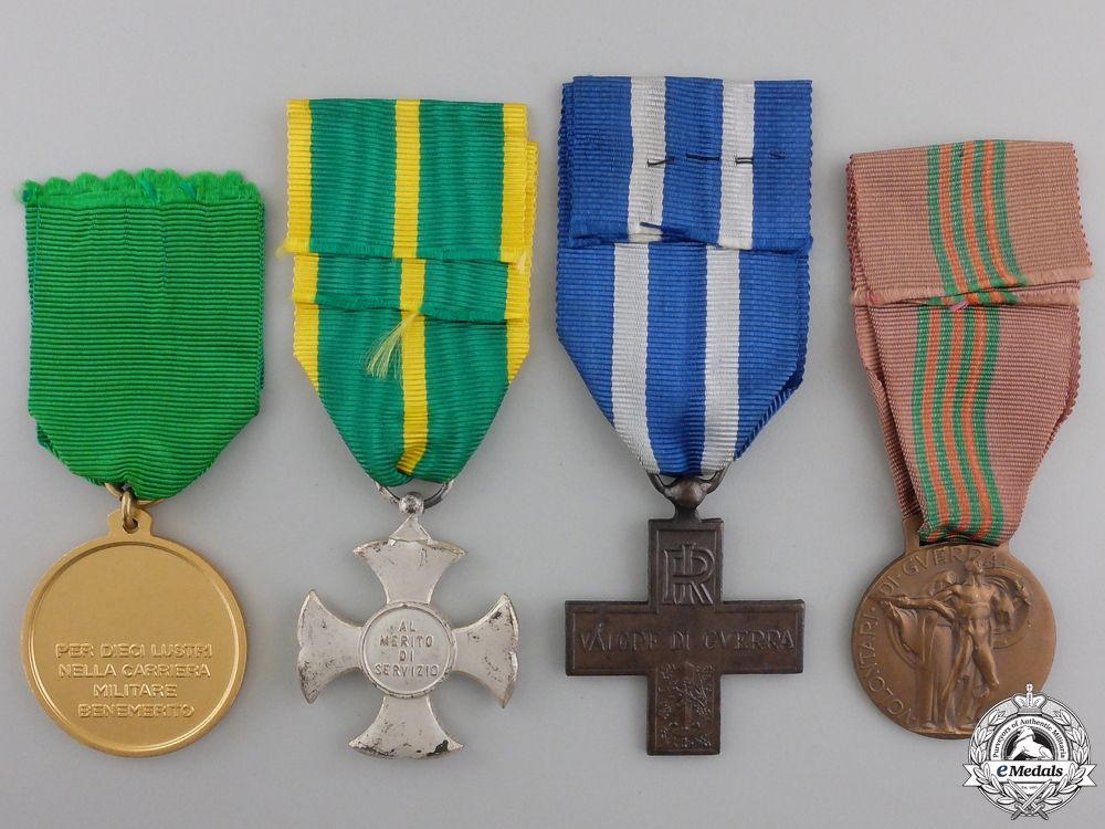 A Lot of Four Italian Medals
