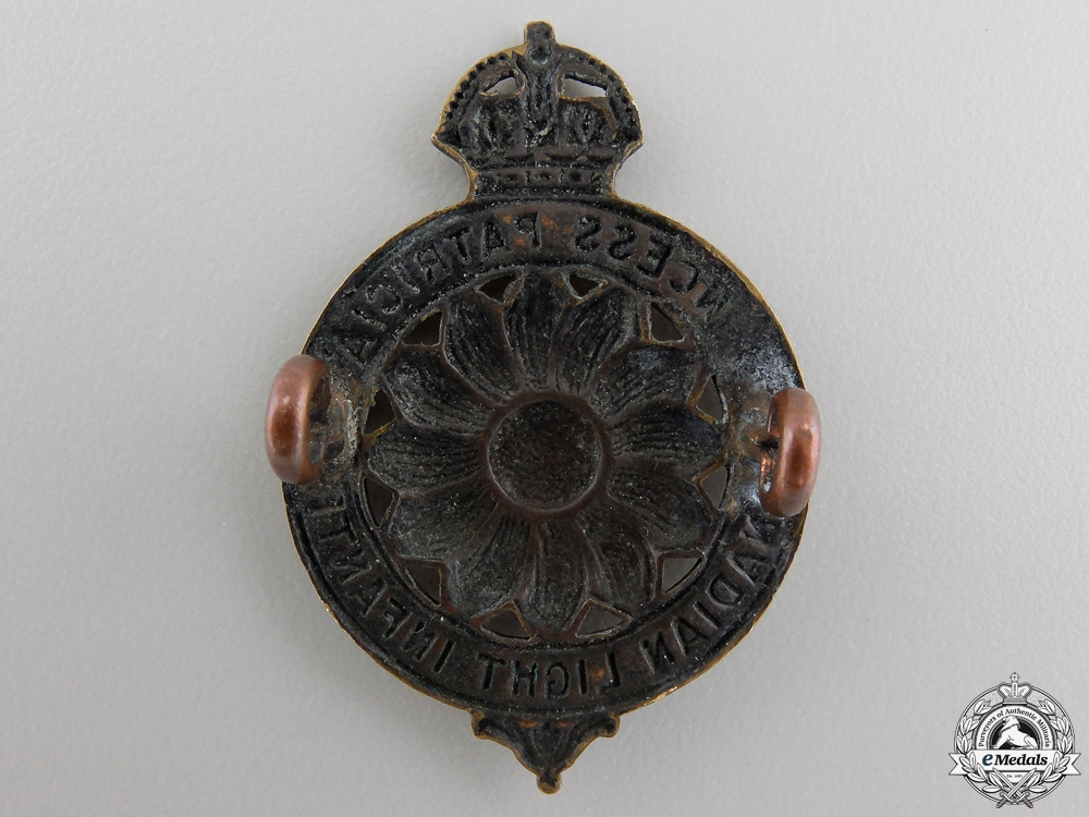 A First War Princess Patricia's Canadian Light Infantry Cap Badge