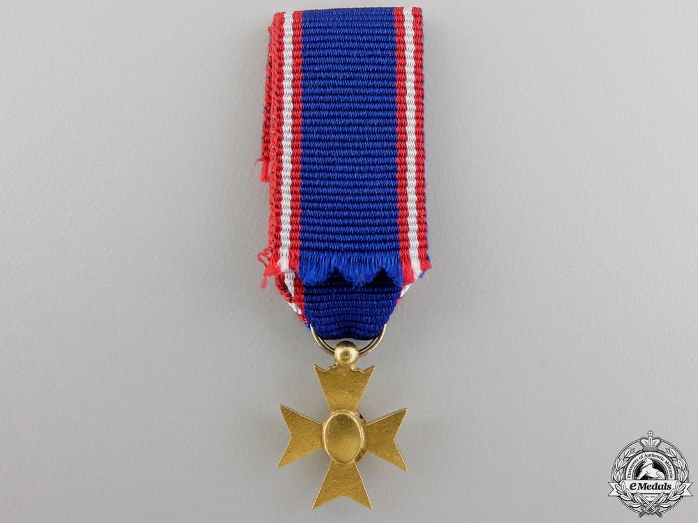 A Miniature Royal Victorian Order Con #41