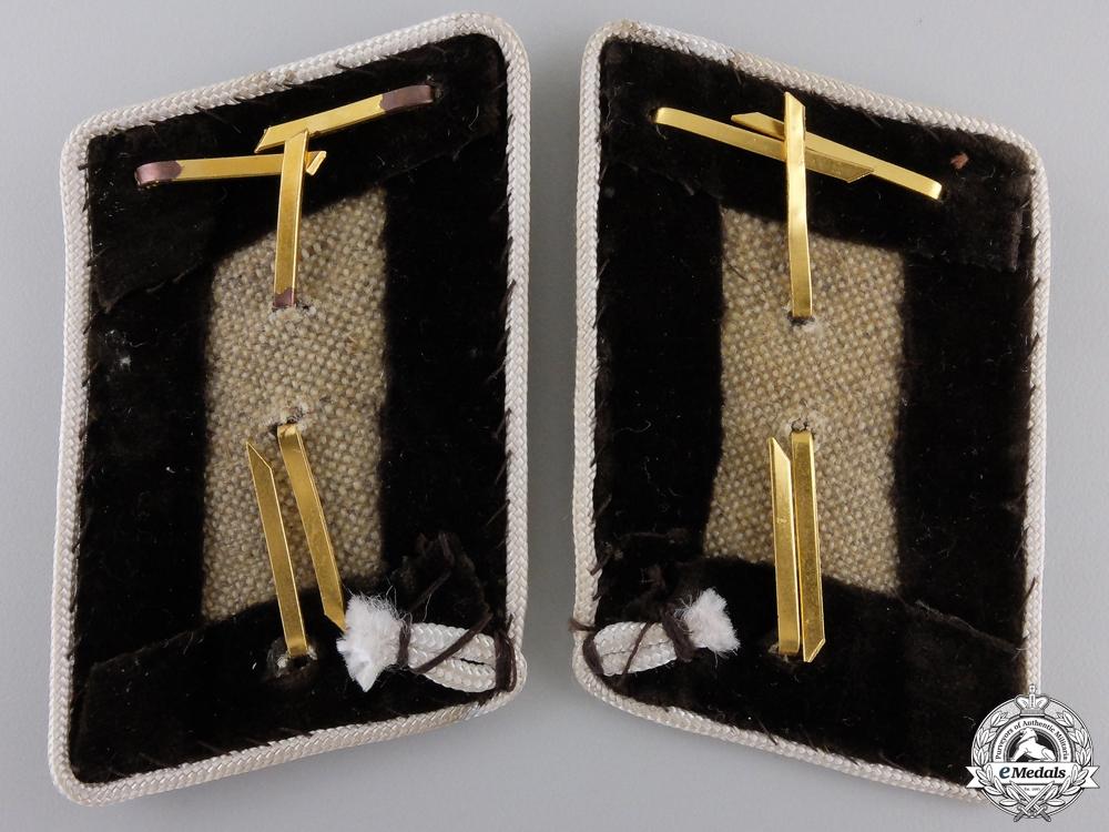 A Pair of Kreis Abschnittsleiter Collar Tabs