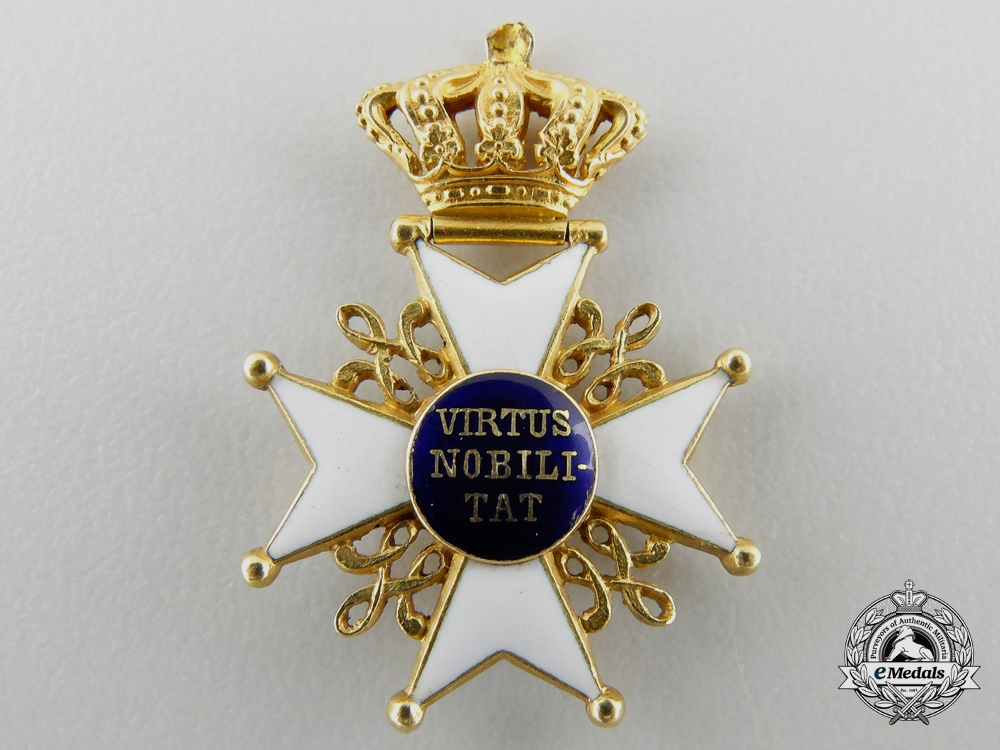A Miniature Order of the Dutch Lion in Gold