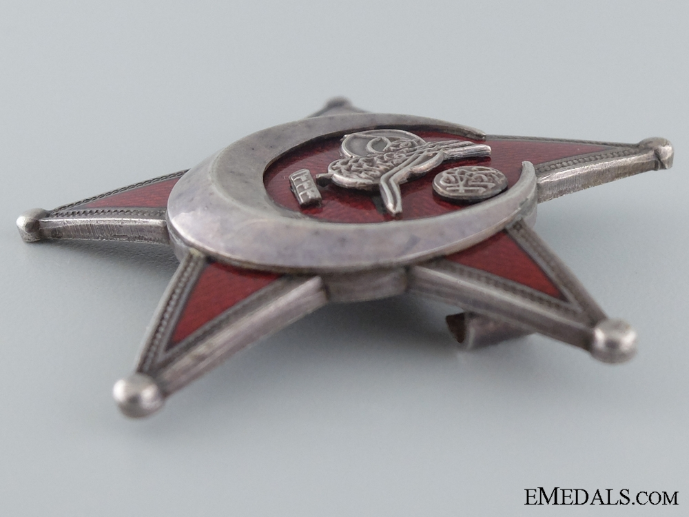 1915 Campaign Star (Iron Crescent) in Silver by B.B.& Co