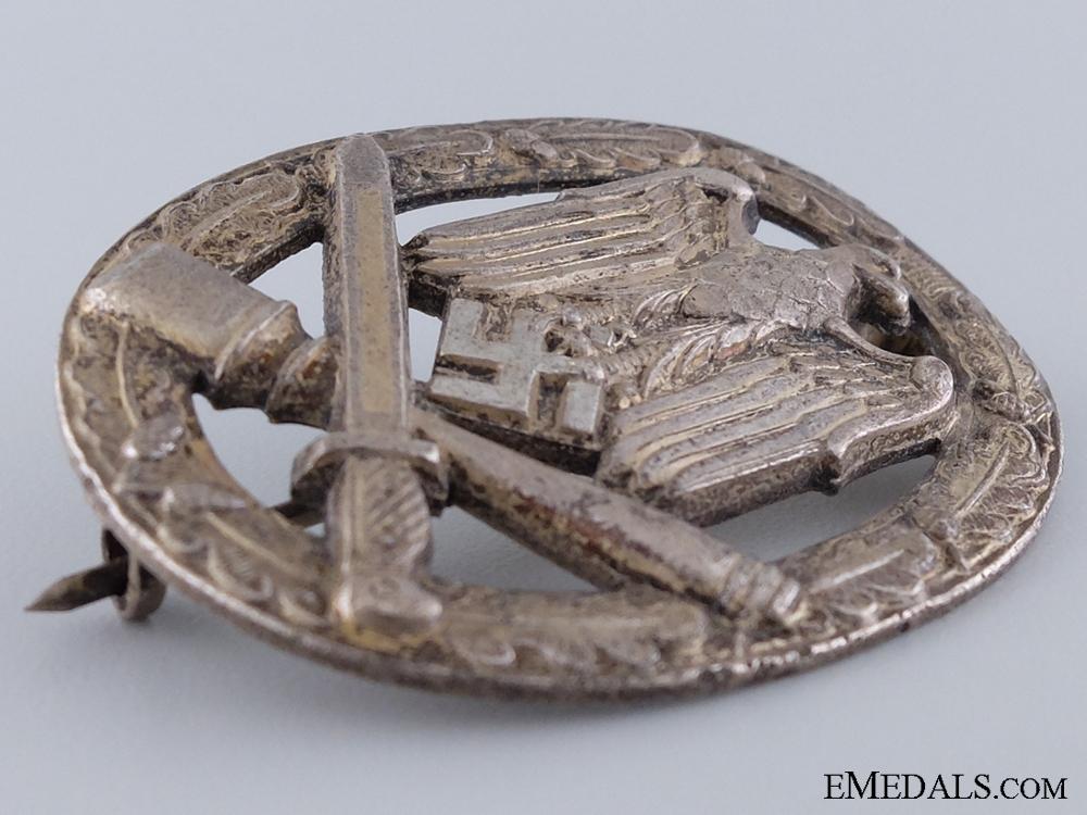A General Assault Badge; Zinc