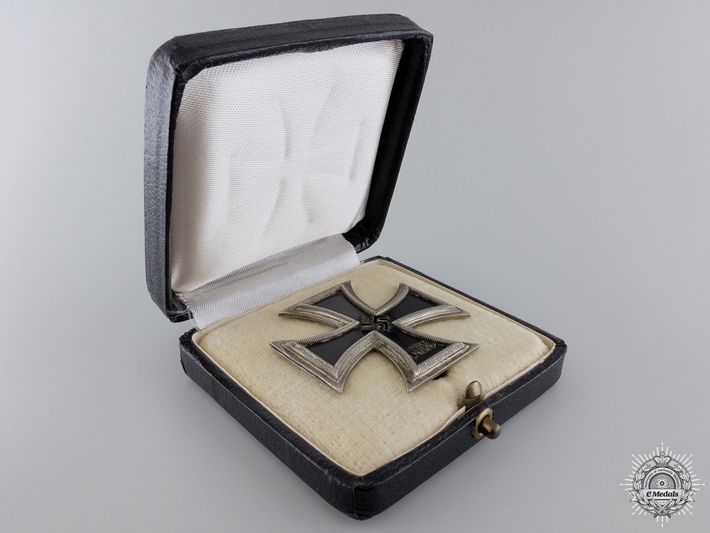 An Early Iron Cross First Class 1939; Schinkel Version