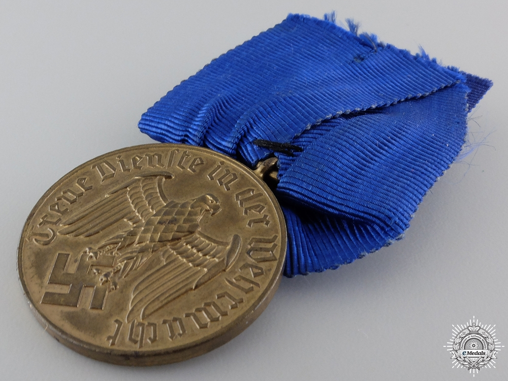 An Army 12 Years Service Medal