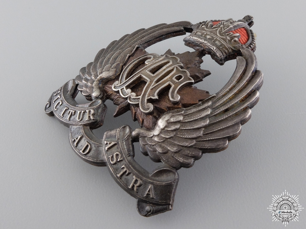 A Canadian Air Force Officer's Side Cap Badge 1920-1924