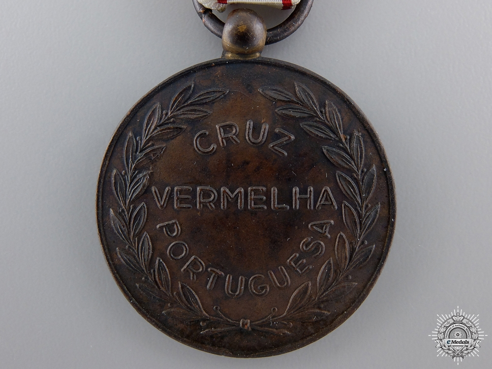 A Portuguese Red Cross Recognition Medal