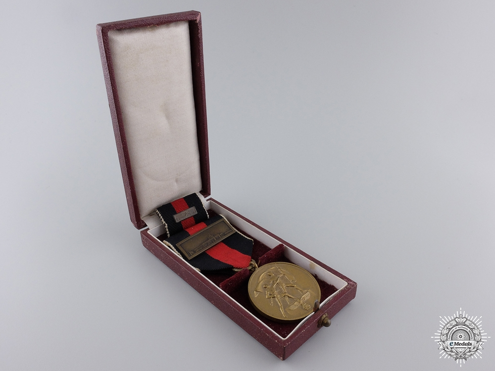 A Commemorative Medal October 1st 1938 with Prague Bar & Case
