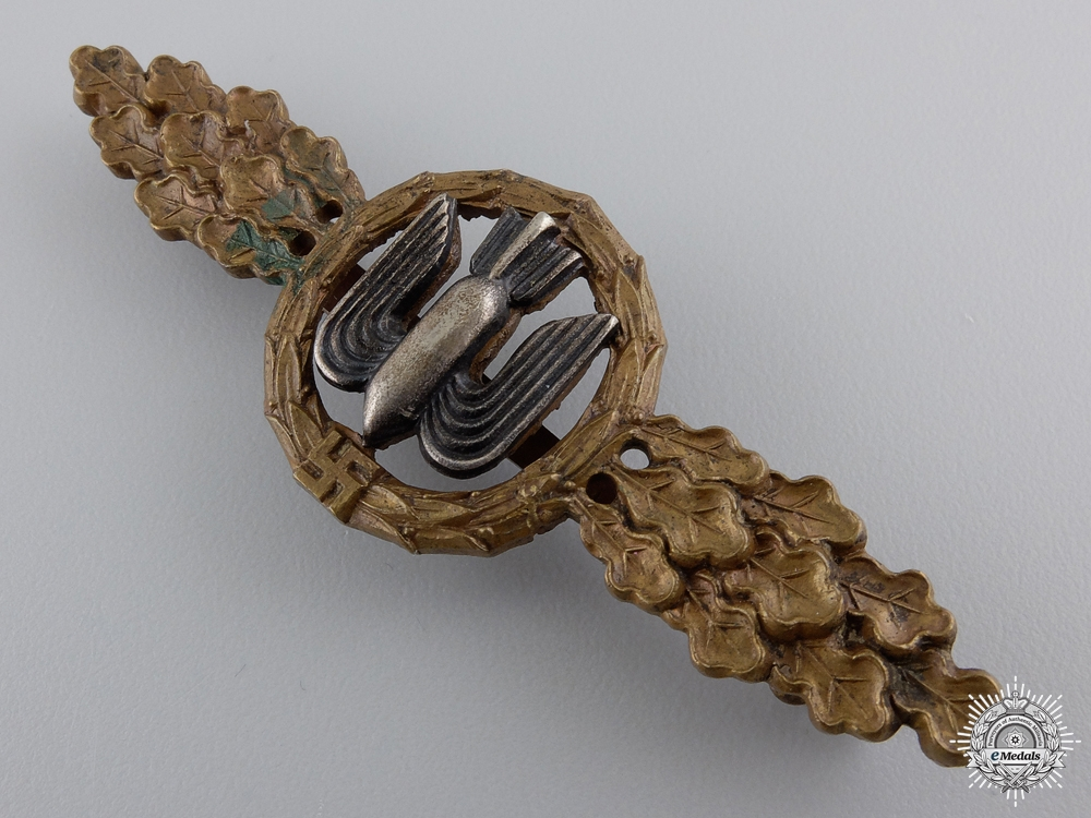 An Early Luftwaffe Squadron Clasp for Bomber Pilots