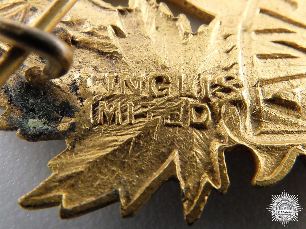 "A First War 77th ""Ottawa Battalion"" Officer's Cap Badge"