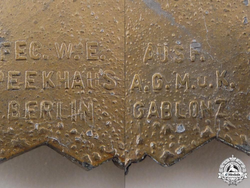 A Bronze Grade Close Combat Clasp by Arbeitsgemeinschaft Metall und Kunststoff