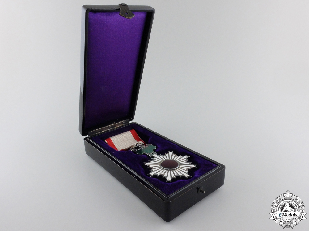 A Japanese Order of the Rising Sun; 6th Class with Case